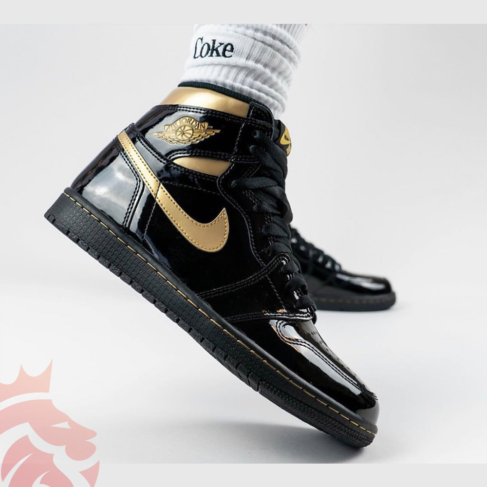 Early Release Yankeekicks Air Jordan 1 High OG Black/Black-Metallic Gold 555088-032 Holiday 2020