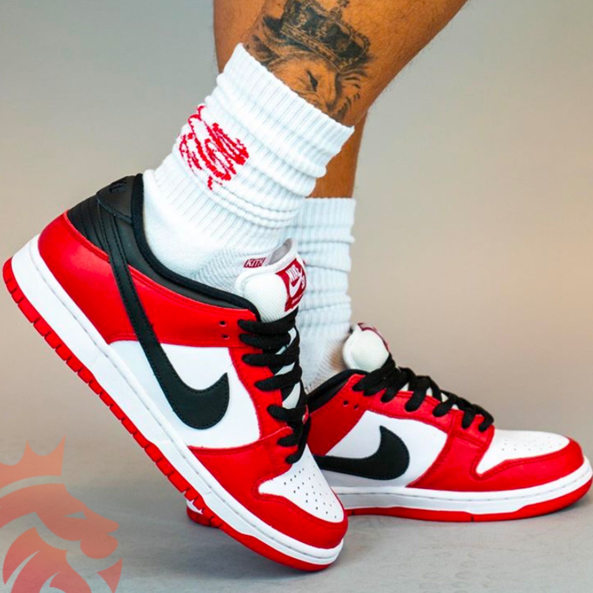 Yankeekicks On Feet Nike SB Dunk Low Pro Chicago BQ6817-600 Varsity Red/White-Varsity Red-Black